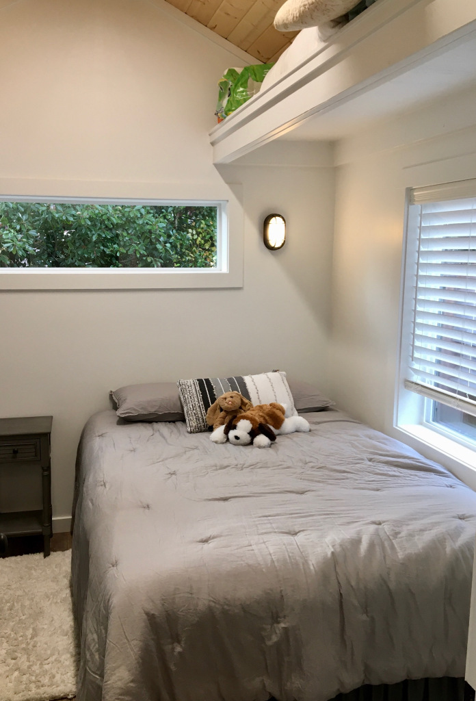 rental tiny home bedroom in tigard oregon
